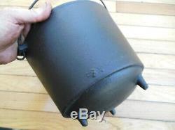 #7 #6 Cast Iron Bean Pot Kettle 8 7/8 Diameter 8 lbs 9 ozs Cauldron Nice