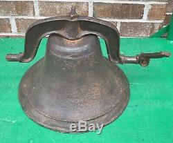 Énorme Vieux Lourd 50lbs 1800 Cast Antique Fer École Church Farm Cow Dinner Bell