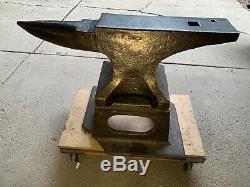 Hay Budden Blacksmith Anvil 350 Lbs Cast Unique Fer Anvil Stand