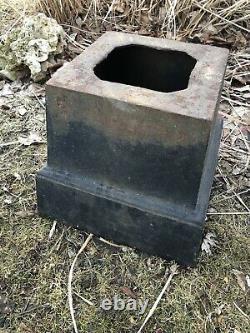 Jardinières Antiques D'urnes En Fonte De Paire Avec Poignées (122.5 Lbs. Chacun)+ Sur Risers