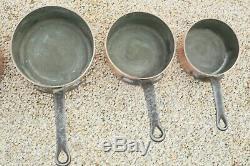 Vintage Lourd Cuivre Martelée 5 Tin Set Casserole Bordée W Fonte Poignées 19lbs