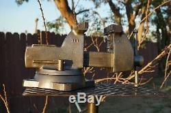 Wilton 744 Mécanicien De Vise, 4 '' Jaw, Avec Pivot Base Et Tuyau Poignées 36 Lb Vice
